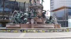 Mendebrunnen water fountain, medium shot, Leipzig, Germany Stock Footage
