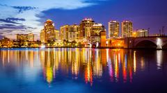 West Palm Beach, Florida Skyline and City Lights at  Night Kuvituskuvat