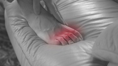 Toe pain feeling pain in toes hurt Stock Footage