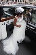 African bride go to wedding in luxury car Kuvituskuvat