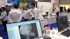 Consultants tell visitors about the latest digital technologies in the dentistry Stock Footage