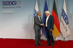 Federal Foreign Minister Dr Frank-Walter Steinmeier welcomes Paolo Gentiloni Stock Photos