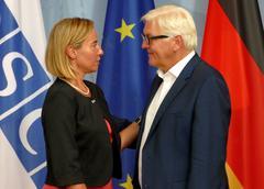 Federal Foreign Minister Dr Frank-Walter Steinmeier welcomes Federica Mogheri Stock Photos