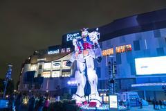ODAIBA, JAPAN - NOVEMBER 16, 2016: statue of gundum in front of the shoppin.. Stock Photos