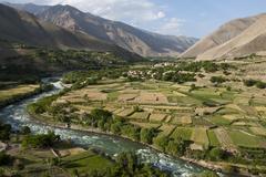 The green fields of Afghanistan Kuvituskuvat