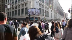 Busy streets in central Manhattan, New York. Slow motion Stock Footage