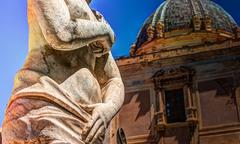 Famous fountain of shame on baroque Piazza Pretoria, Palermo, Sicily Kuvituskuvat