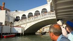 Sunny day venice rialto crowded bridge bay road trip panorama 4k italy Stock Footage