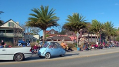 Antique cars in the St Augustine winter Parade Stock Footage
