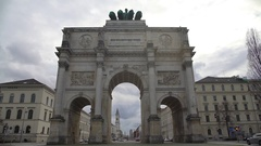 Victory Gate in Munich city center, triumphal arch, famous tourist sight Stock Footage