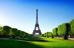Eiffel Tower and Champ de Mars Kuvituskuvat