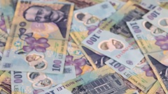 Counting romanian currency bills with counter machine Stock Footage