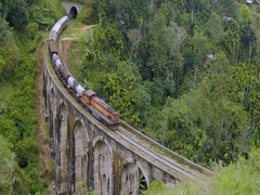 Sri Lanka landmark 9 Arches Bridge in Nuwara Eliya Stock Footage
