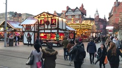 Time lapse of Nottingham Christmas market in the square in December. Stock Footage