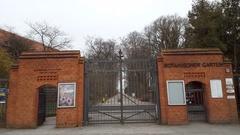 Berlin Botanical Garden entrance gate, Botanischer Garten, long shot Stock Footage