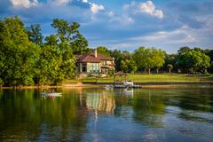 House on the shore of Lake Norman, in Cornelius, North Carolina. Stock Photos