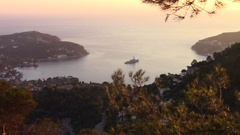 Zoom in of a big military vessel (USS Nitze) in Rade de Villefranche Stock Footage