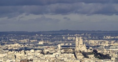 Aerial panning time lapse view of the Sacre Coeur in Montmartre in Paris Arkistovideo