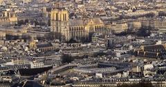 Aerial tilt up time lapse view of Notre Dame de Paris, France Arkistovideo