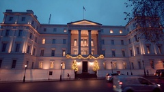 The exclusive and luxury Lanesborough Hotel London Hyde Park Corner Stock Footage