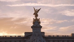 The fountain at Buckingham Palace - Victoria Memorial Stock Footage