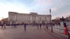 London sightseeing - the famous Buckingham Palace Stock Footage