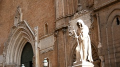 Statues of saints at the entrance of the Cathedral of Santa Rosalia Stock Footage