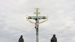 Holy Crucifix and Calvary statue, Hebrew text, Charles Bridge, medium shot Stock Footage