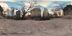 360vr video of Madison square park with US flag and empire state building Stock Footage