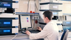 Laboratory worker conducting research. Stock Footage