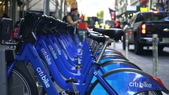 Citi bike docking station, slider shot - New York city, Manhattan Stock Footage