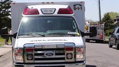 Ambulance with lights flashing Arkistovideo