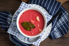 Vegetarian red soup - borsch in green bowl. Stock Photos