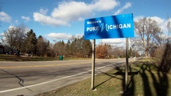 Michigan Welcome Sign- traffic Stock Footage