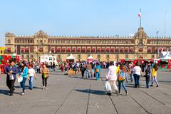 People at the Zocalo or Constitution Square on a beautiful day i Kuvituskuvat