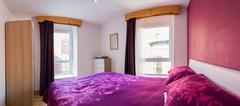Purple Flowery Bedroom Panorama Interior Apartment Belfast North Ireland Kuvituskuvat