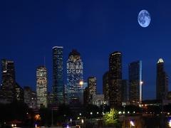 4K UltraHD Full Moon over Houston, Texas Stock Footage