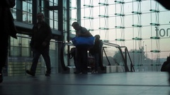 A busy escalator that suddenly clears. Stock Footage