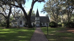 Christ Episcopal Church, St Simons Island, Georgia, USA, zoom in Stock Footage