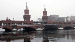 Train crossing oberbaum bridge in Berlin, in Winter Stock Footage