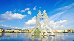 Molecule Man sculpture on Spree River in Berlin, Germany Stock Footage