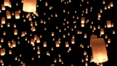Floating Lanterns in Yee Peng Festival. Loy Krathong Celebration in Chiangmai, Arkistovideo