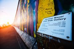 East Side Gallery Berlin Wall Kuvituskuvat