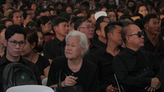 Thai crowds in black wait to pay respect deceased king,Bangkok,Thailand Stock Footage