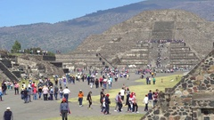 Crowd of tourists in Teotihuacan ancient city - Mexico City Stock Footage