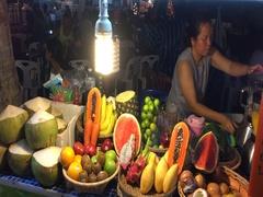 Night of the island of Samui fresh drinks market Stock Footage