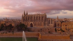 Catedral de Santa María de Palma de Mallorca during sunset  Stock Footage