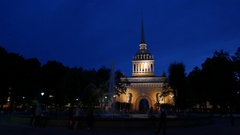 Night view of Admiralty building from park square, elegant architecture Stock Footage
