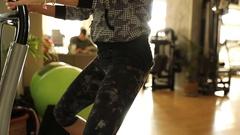 Double leg knee bend Stock Footage