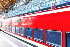 High speed train at railway station platform Kuvituskuvat
